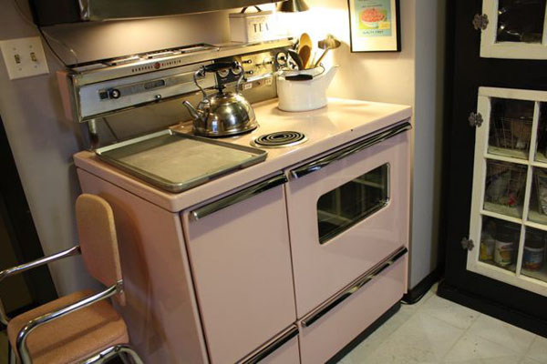 retro Pink Kitchen Stove | the both and | shorts and longs | julie rybarczyk