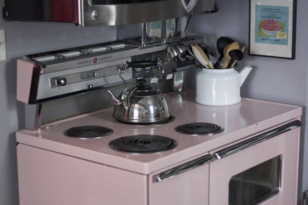 pink retro 50s stove - shorts and longs - julie rybarczyk02
