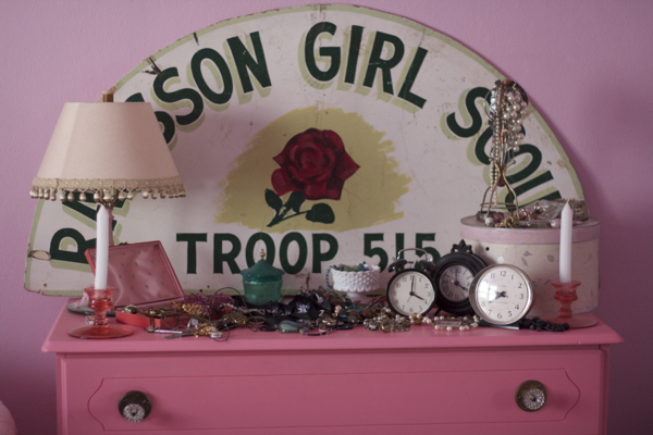 pink bedroom jewelry | shorts and longs | julie rybarczyk02