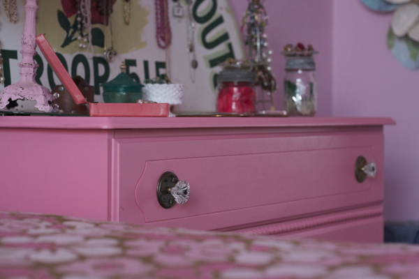 pink bedroom jewelry | shorts and longs | julie rybarczyk18
